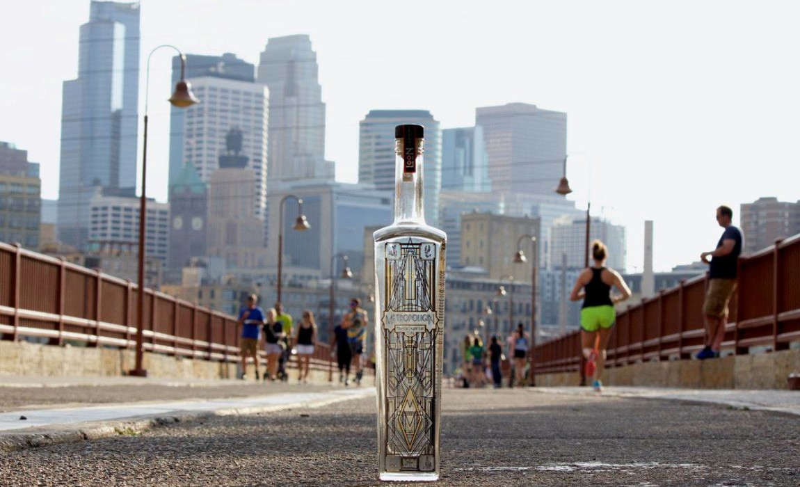 Metropoligin - a new Minnesota Organic Craft Gin from Loon Liquors